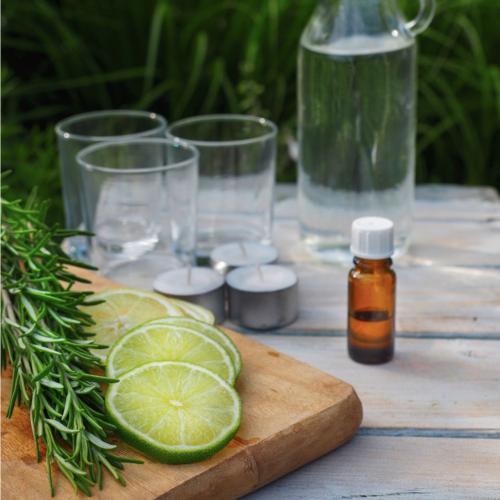 Cómo hacer tu propio repelente de mosquitos totalmente natural con sólo 5 ingredientes