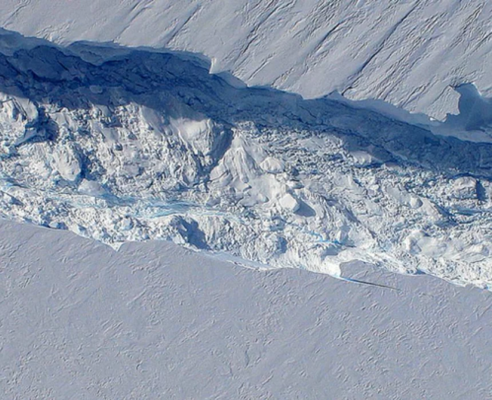 #ClimateChange: Ice shelf holding pine iisland glacier could collapse within a decade